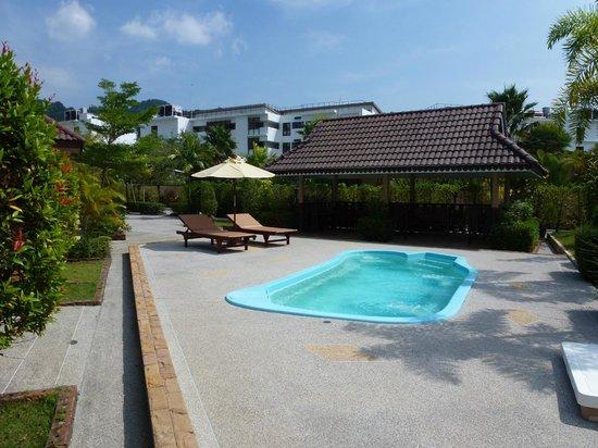 Maleedee Bay Resort: En af de tre pools på hotellet