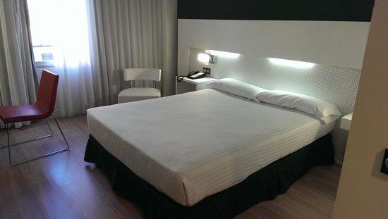 Axor Feria Hotel: bed of rocks