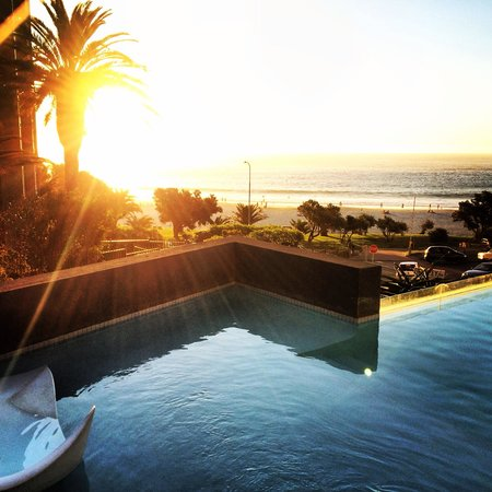 POD Camps Bay : Pool mit Meerblick