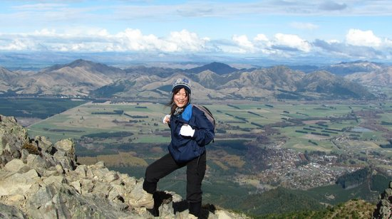 Hanmer Backpackers: Your Hostess From Mt Isobel