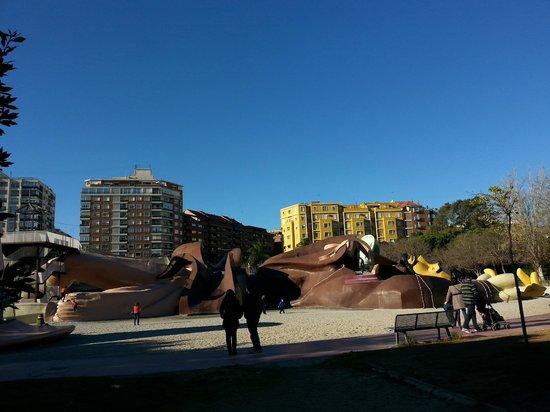 Parque Gulliver: Лежащий Гулливер ).
