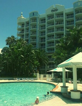 Bel Air on Broadbeach: lovely pool