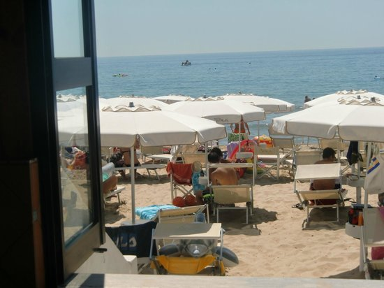 Ristorante Amyclae - da Antonio: View from the restaurant toward the sea