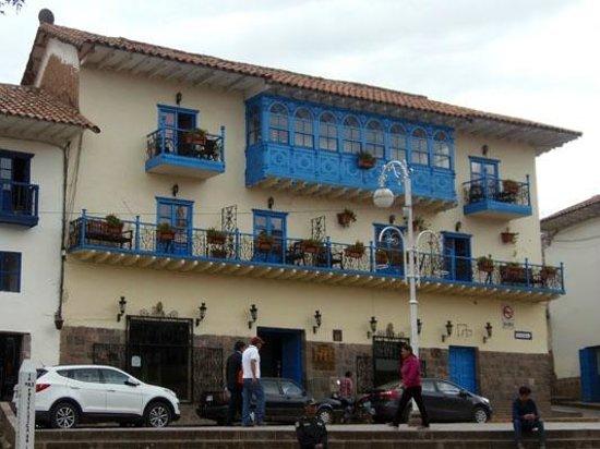 Royal Inka I : Hotel from outside