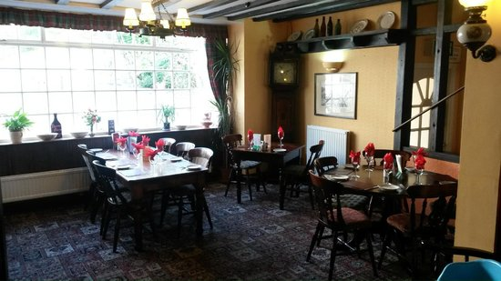 Agricultural Inn: Cosy restaurant for delicious meals