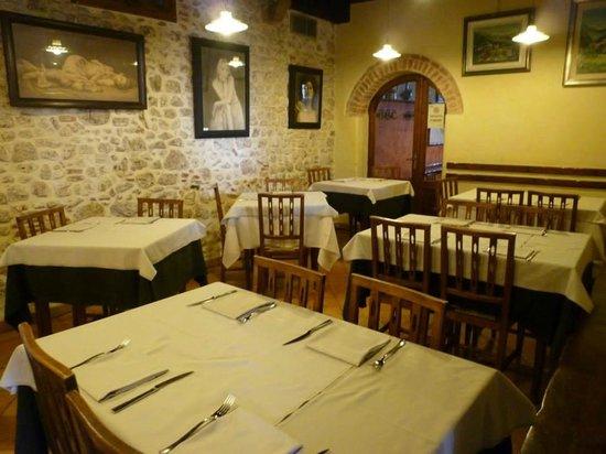 Ristorante Di Pizzeria Foto Abbazia L'antica Esterno QshrdoBxtC