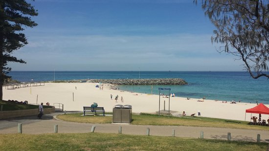 The Cottesloe Beach Hotel: Cottesloe Beach