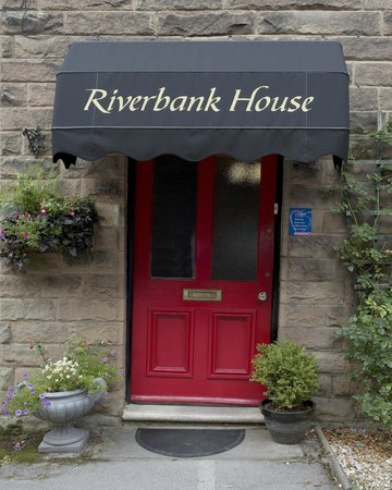 Riverbank Guest House: Entrance