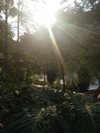 Pousada Tres Vales : Vista do lago do hotel
