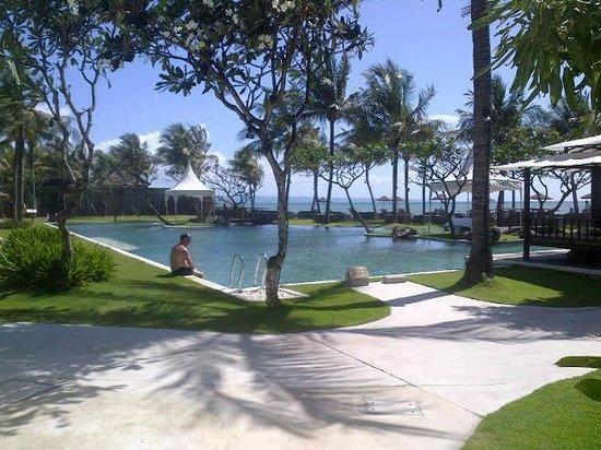 The Samaya Bali Seminyak: Coming from our Villa towards Breeze Restaurant