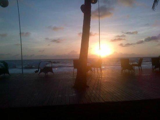 The Samaya Bali Seminyak: Sunset at Samaya Seminyak
