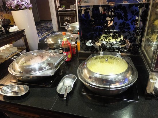 Capital Hotel Arena: 朝食はバイキングスタイル