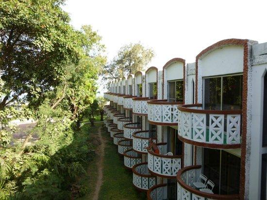 Laico Atlantic Banjul Hotel: Looking out to the sea.