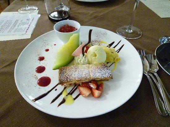 Nikko station hotel classic: ディナーのデザート