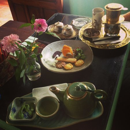 Reaching Out Tea House : Our table