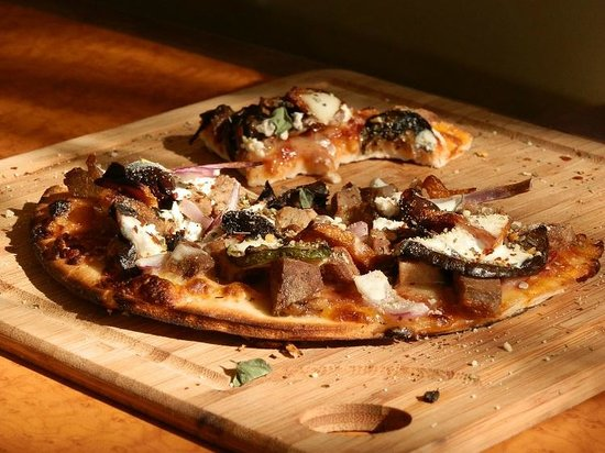 Cafe Y's AWESOME Greek Lamb Pizza
