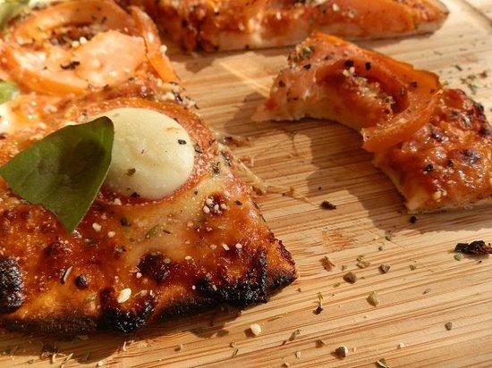 Cafe Y: FAAAAABULOUS Margarita Pizza