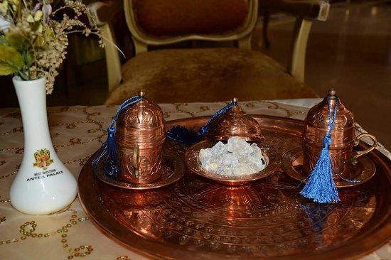 Best Western Antea Palace Hotel & Spa : Lekker genieten van een heerlijk kopje Turkse koffie.