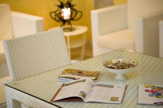 Raffaello Residence: Breakfast Room - Sala Colazioni