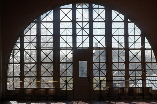 Ellis Island Immigration Museum : The beautiful windows in the entrance hall that the newly arrived saw.