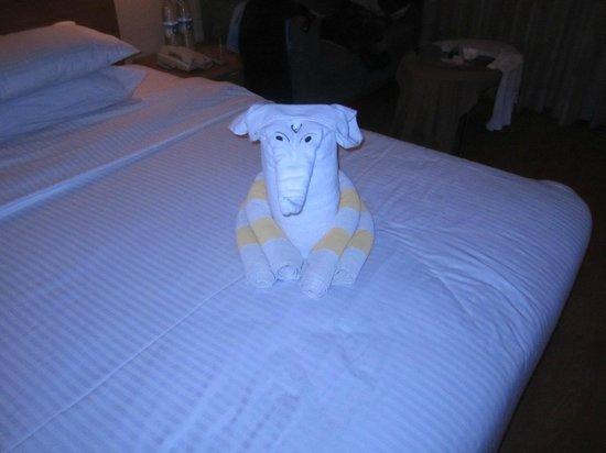 Lemon Tree Hotel, Aurangabad: Puppet they make on bed