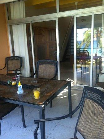 Bonaire Oceanfront Apartments: balkon