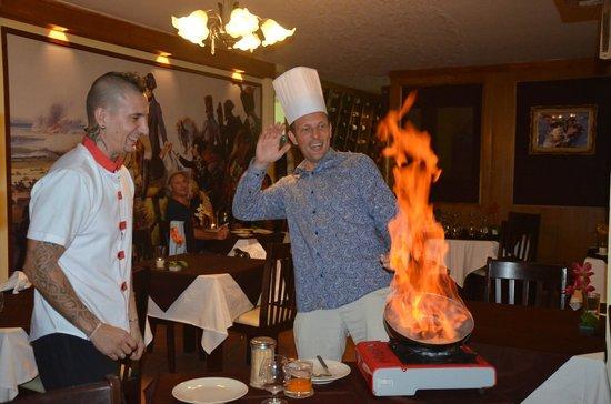 Le Napoléon : Приготовление десерта под руководством шеф-повара