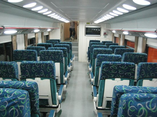 Iran: 座席は2-2のシートのみ