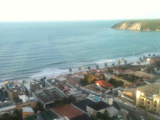Quality Hotel & Suites Natal: Vista da janela do quarto do último andar