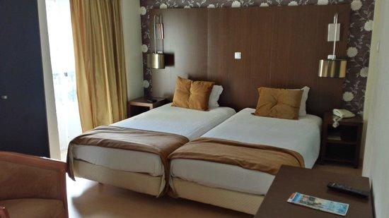 Hotel Duas Nacoes : CHAMBRE