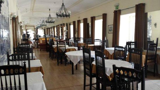 Hotel Duas Nacoes : SALLE A MANGER