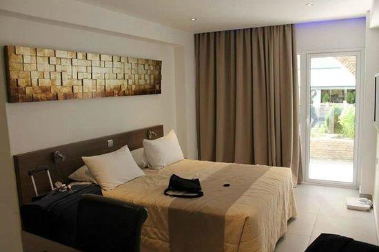 Achilleos City Hotel: The room