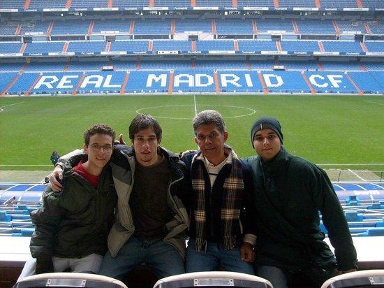 Estadio Santiago Bernabéu: Galera que conheci no Hostel em Madrid