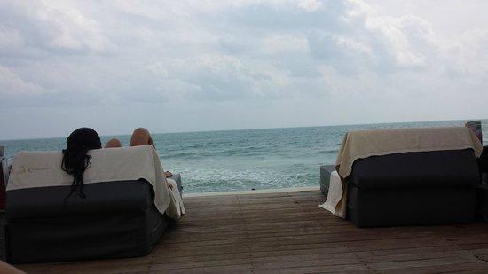 Kirikayan Luxury Pool Villas & Spa: La spiaggia