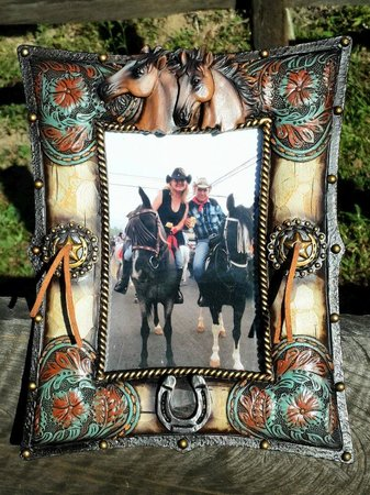 Caballo Loco Boutique: A sample of just one of the great horse themed frames.