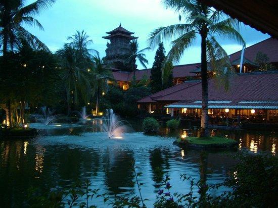 Ayodya Resort Bali: Яркие краски Бали