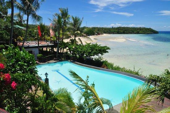 Santiago Bay Garden & Resort: Poolside