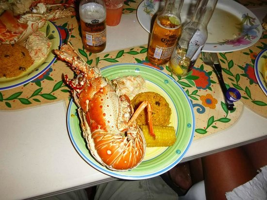 Abe's Little Harbour: Our lobster meal !!!