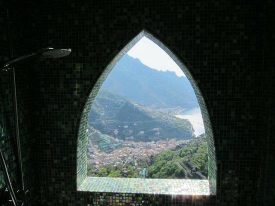 Auditorium Rooms: Shower Window  in Tramonto Room
