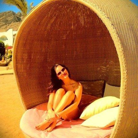 Le Meridien Dahab Resort: Пляж, те самые знаменитые лежаки)