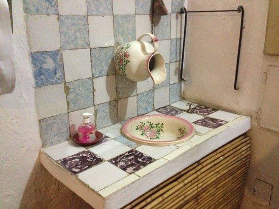 Adega do Alentejano : Um lavatório muito curioso, 100%