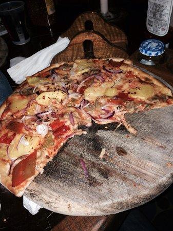 El Wagon Pizza - minus the ham.