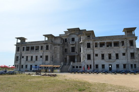 Bokor National Park: Bokor Palace Hotel/Casino(as of 2014/01)