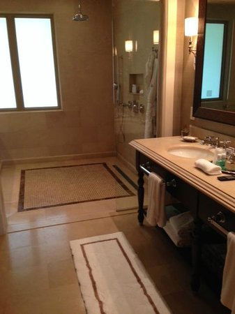 The St. Regis Bahia Beach Resort, Puerto Rico: Bathroom