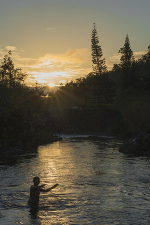 Blancaneaux Lodge : The river at the Lodge