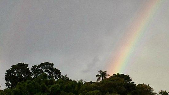 Chales Vila da Serra : Lindo arco-íris vista da porta do chalé