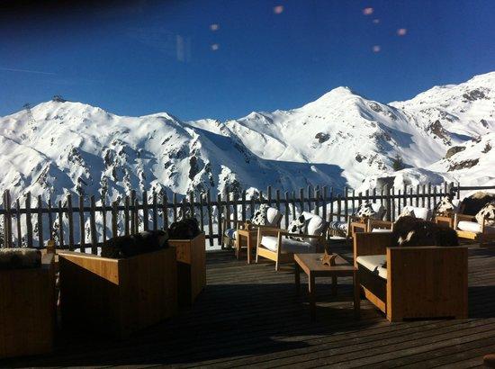 Schneekarhütte: Terrace & view