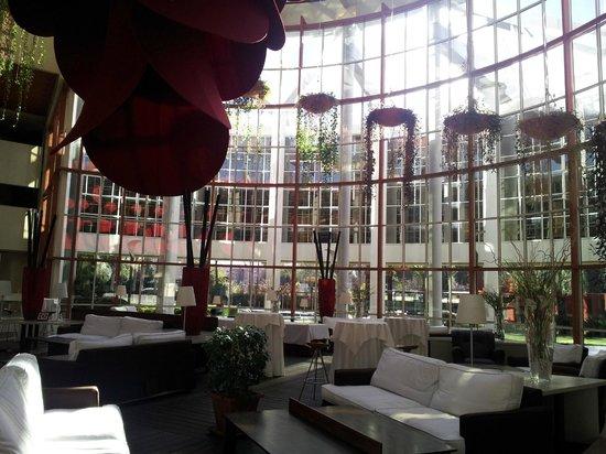 Silken Al-Andalus Palace Hotel : Hall coin détente