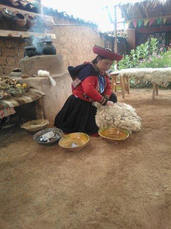Centro de Textiles Tradicionales del Cusco: Trabajo admirable de las mujeres