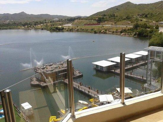 Hotel Potrero de Los Funes: vista del lago